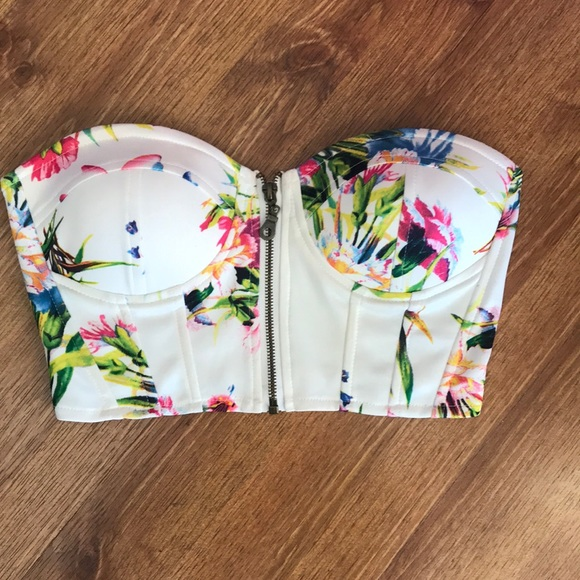2d9071ec073 Windsor floral crop tube top. M 5a907ba38df470e71a6ea68f